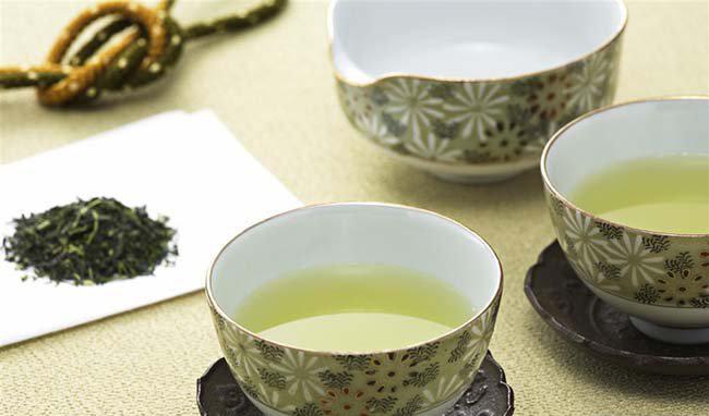 绿茶减肥法 专家称就算不用苦瓜蜂蜜生姜一样效果拔群